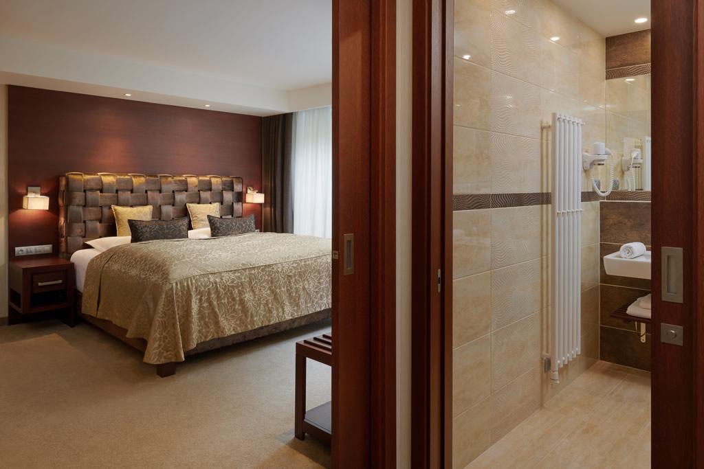 Dvoulůžkový pokoj deluxe s balkonem